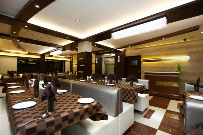 Atithi The Hotel Ellis Bridge Ahmedabad - Banquet Hall