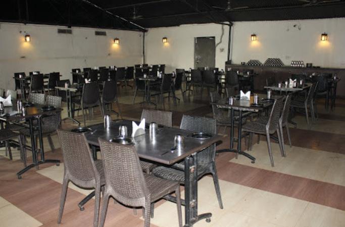 CG 04 Dhaba Veg Purena Raipur - Banquet Hall