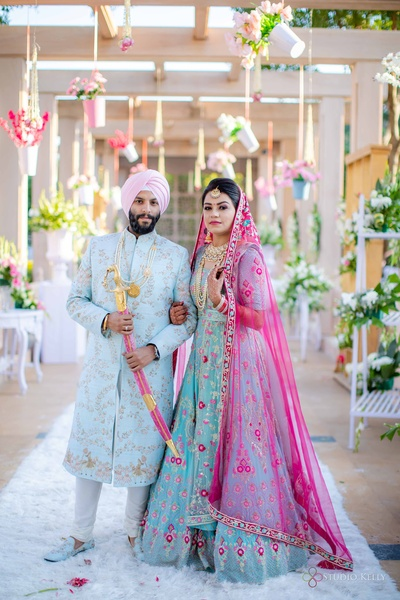 This couple is nothing short of a pastel dream!