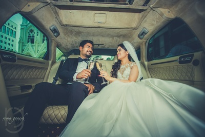 candid couple photography in a limo