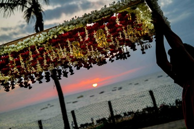 Bridal chaddar made with Tube Roses, Jasmine and drop kalire for that sunset bridal entry at Goa Marriott