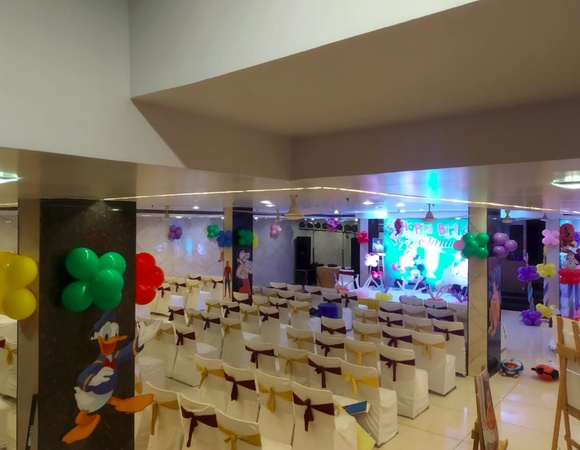Hotel Malik Residency Harsh Nagar Kanpur - Banquet Hall