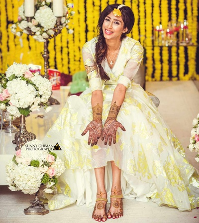 Beautiful, intricate designs for the bride's mehendi