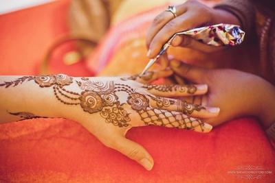 Beautiful hands mehndi for the bride to be