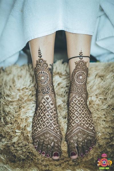 Intricate feet mehendi design
