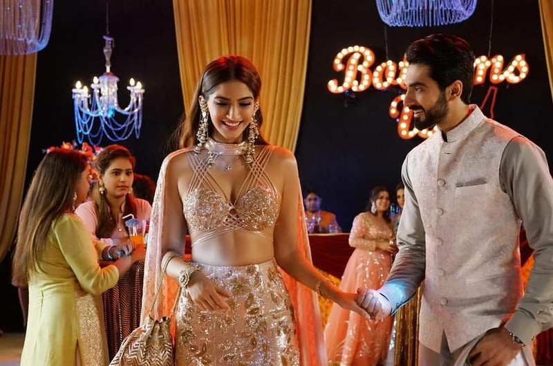 Veere Di Wedding Outfits.Veeres Outfit Details From Their 3 Main Wedding Functions Decoded