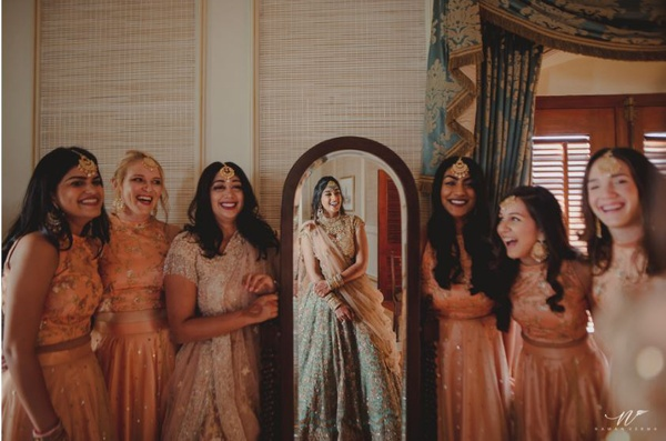 5 Pictures to Click with Your Bride Squad - Blog
