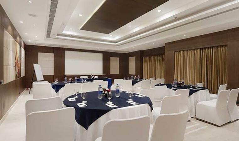 Ahuja Residency Vista Signature Sector 30 Gurugram - Banquet Hall