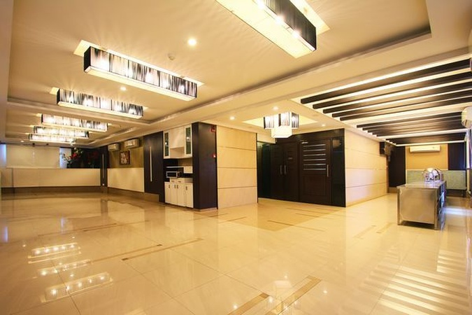 Sampoorna Hotel Malad West Mumbai - Banquet Hall