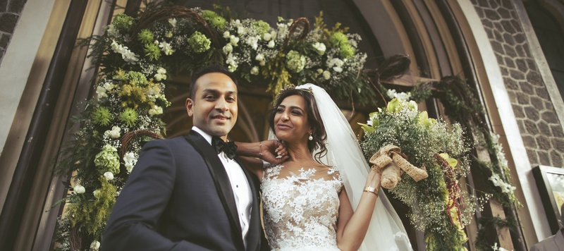 Anuj & Atiya Mumbai : Raw Pressery's founder got married in the cutest wedding at Woodhouse Church, Mumbai!