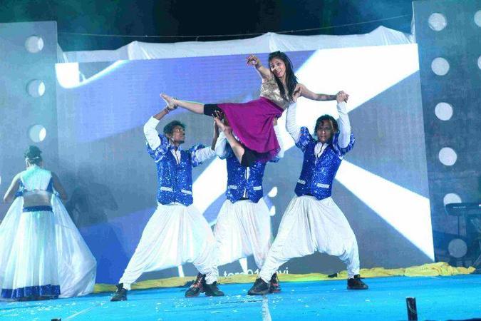Crystals Dance Company | Delhi | Variety Arts