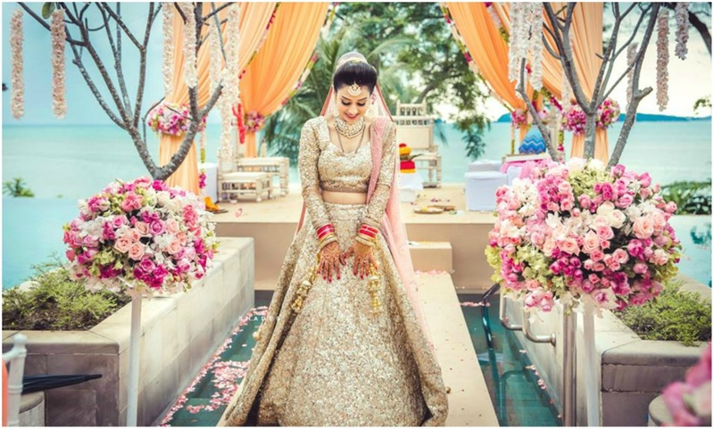 Best Bridal Lehenga Looks of 2017 - #Weddingz2017Rewind!