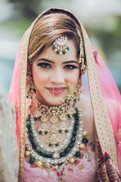 bridal closeup look in her wedding jewellery