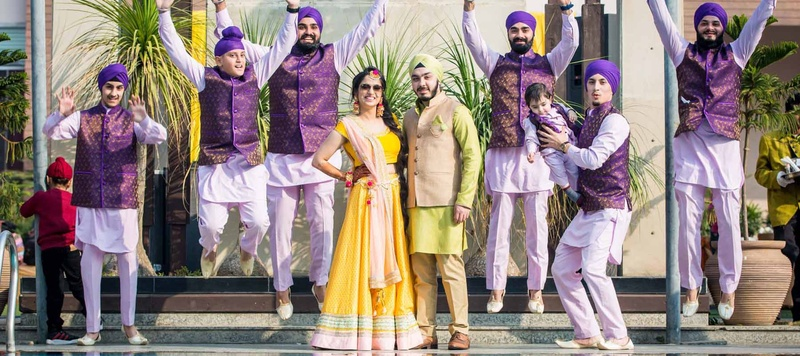 Pawandeep & Jasmin Delhi : Cute and traditional Sikh Wedding held in a Gurudwara at Chhatarpur