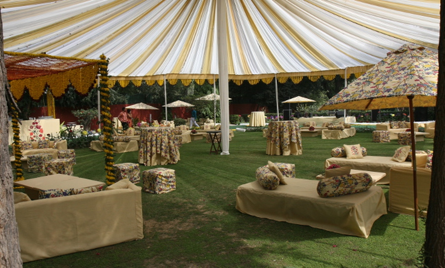 Bhola tent house wedding decorator in delhi weddingz for Tent a house