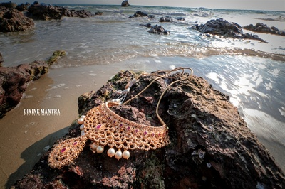 unique picture of the jewellery by the sea