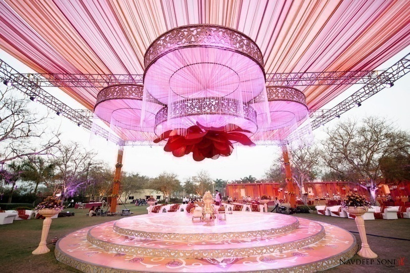 Keep it extravagant 10 exotic wedding destinations in india blog the greenery fresh breeze and the spellbinding view make shimla the desired wedding destination junglespirit Choice Image