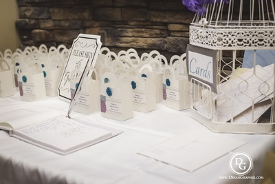 Creative ideas to present wedding favours. Personalized gift bags, guest book and cards setup