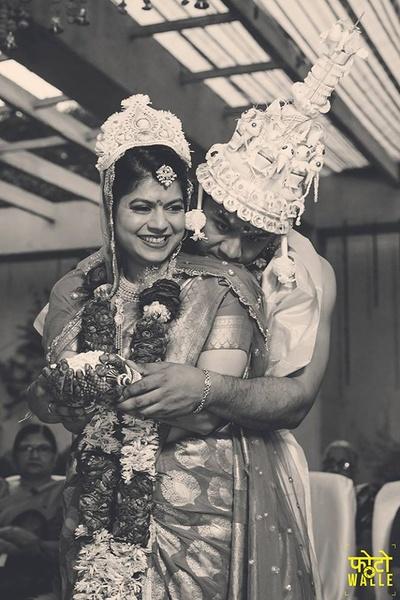 Black and White wedding couple photography.