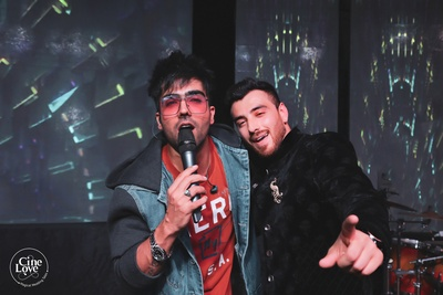 Fampus singer and performer, Hardy Sandhu, rocked the couple's sangeet ceremony.