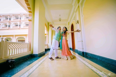The quirky couple pose for the camera during thier mehendi function!
