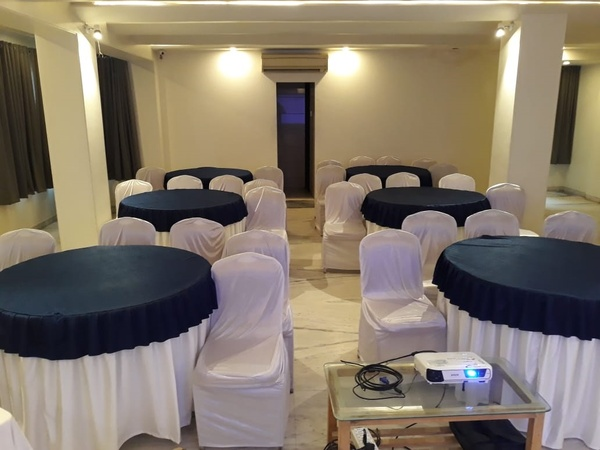 a photo of OYO Flagship 312 (Hotel Grand Ambience)
