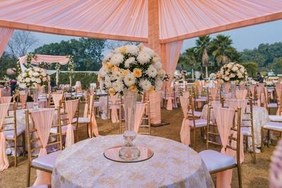 peach themed decor for the wedding ceremony