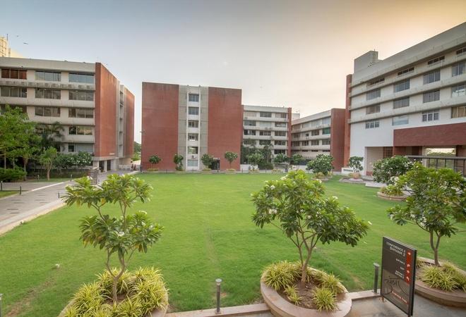Vinnca Amba Suites Adalaj Ahmedabad - Banquet Hall