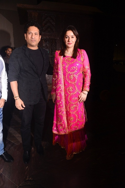 Sachin Tendulkar with wife Anjali
