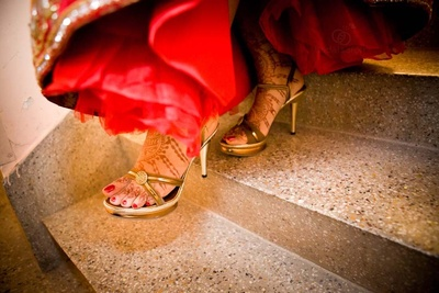 Gold wedding heels for the wedding day