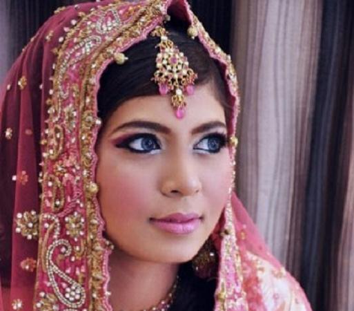 Anjum (professional makeup artist pune) | Pune | Makeup Artists