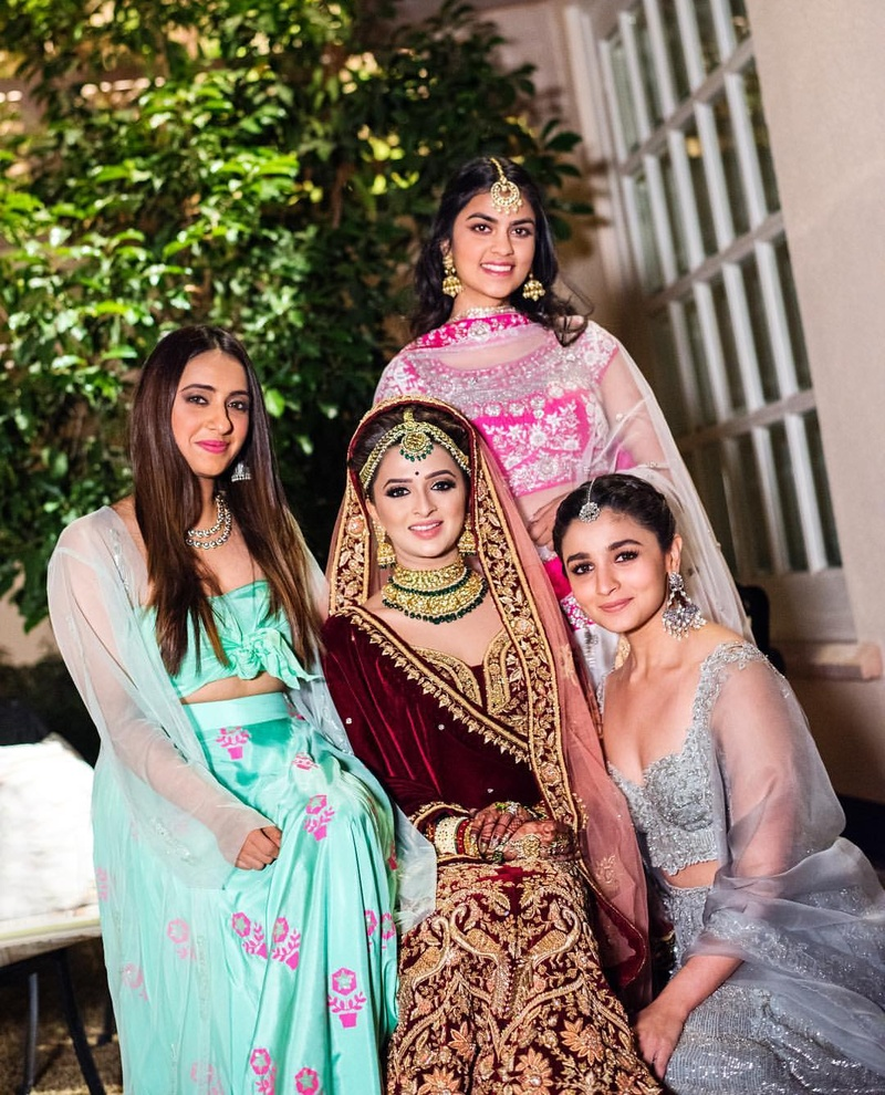 5. The bride and her BFFs look so beautiful!