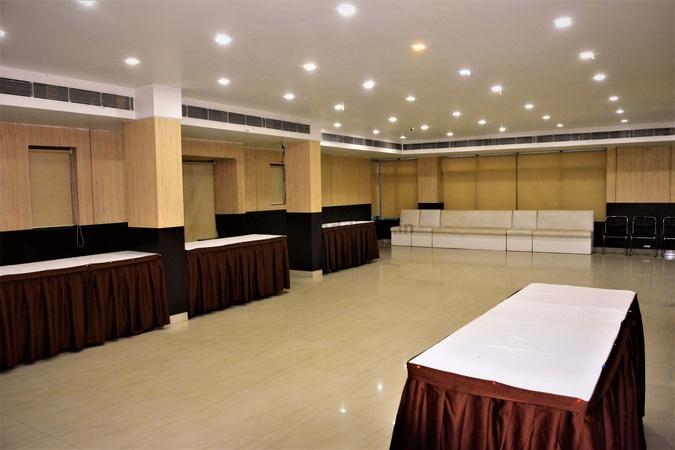 Geetanjali Regency Baguiati Kolkata - Banquet Hall