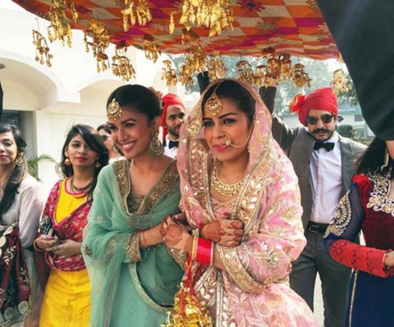 #RubyVinitDaVyah – Nimrat Kaur's Sister, Rubina's Gorgeous Outdoor Delhi Wedding