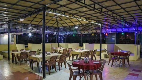 Catch 22 Restaurant And Banquet, Kudasan, Gandhinagar