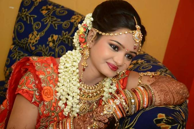 Smita Makeup Artist | Lucknow | Makeup Artists