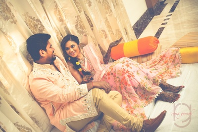 candid couple shot for the mehndi ceremony