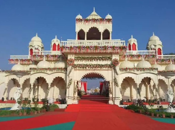 B B Patel Estate Bhayli Baroda - Wedding Lawn