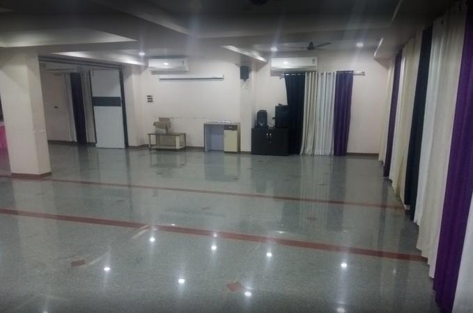 Hotel Crystal Court Pimpri-Chinchwad Pune - Banquet Hall