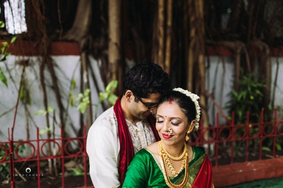 Beautiful couple shot captured by Into Candid photography.