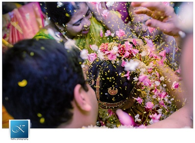 Candid wedding photography captured by the talented Yadhu Photography team