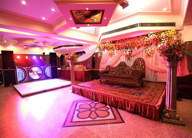 B2 Party Palace Lawrence Road Industrial Area Delhi - Banquet Hall