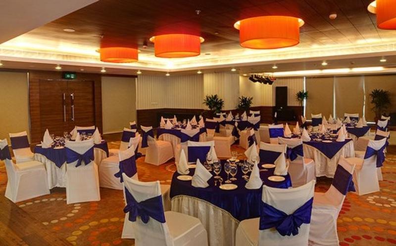 fortune metropolitan bais godam jaipur banquet hall 5. Black Bedroom Furniture Sets. Home Design Ideas