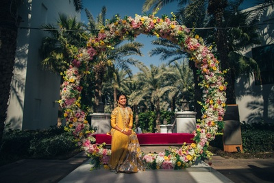 Candid bridal photography for the mehndi ceremony