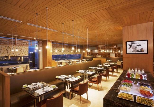 Holiday Inn Mayur Vihar Delhi - Banquet Hall