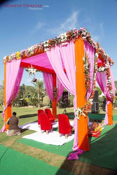 Mandap decoration by Baraat Inc.