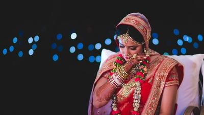 Emotional Vidaai moment captured beautifully by Anuraag Rathi Photography.