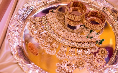 A closer look at Rhea's beautiful jewellery set for the Mehendi ceremony.