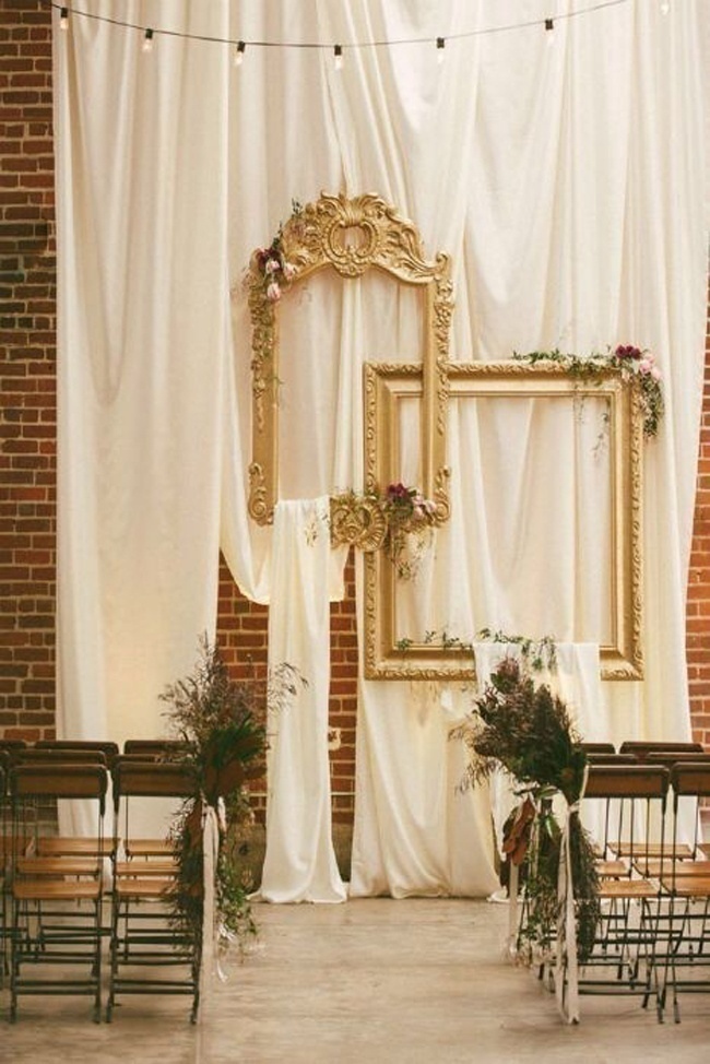Hollow Frames Too Find Their Space in Wedding Décor