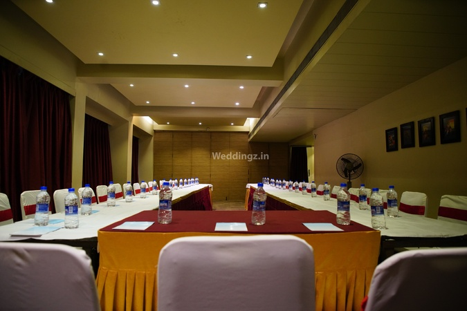 OYO Flagship 584 (The Legend) Santacruz East Mumbai - Banquet Hall